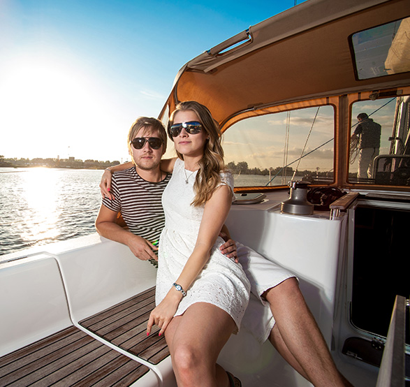 Luxury sailing in Los Arcos of Mexico