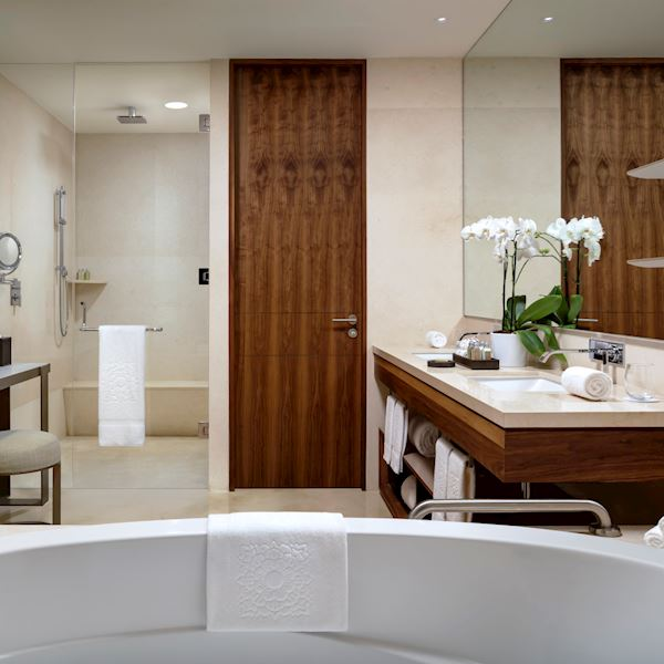 Suite Ambassador Bath Ammenities